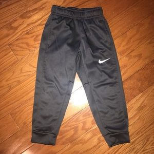 Nike toddler boy dry fit pants size 4t